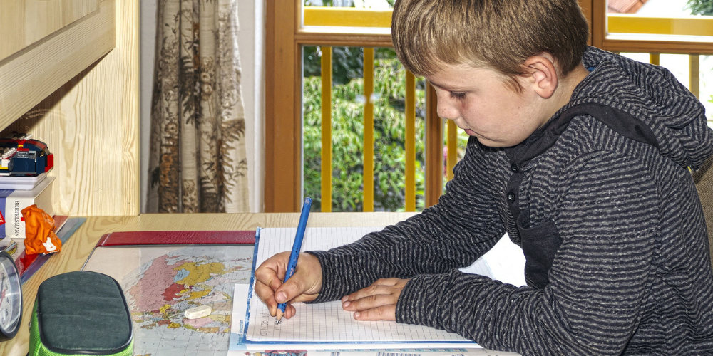 Setting Up the Ideal Study Space for Your Child